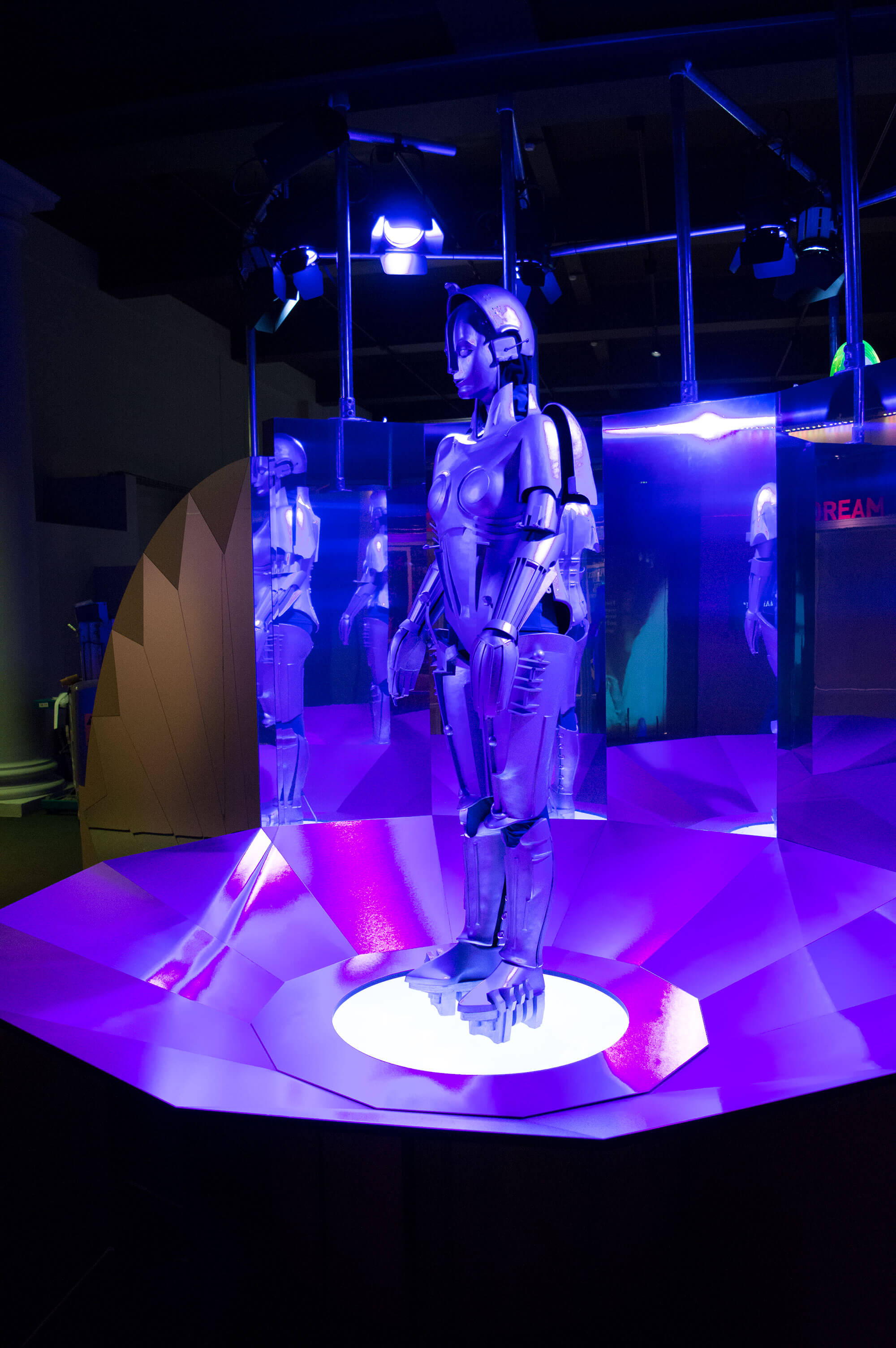 robots-science-museum-4-mjlighting